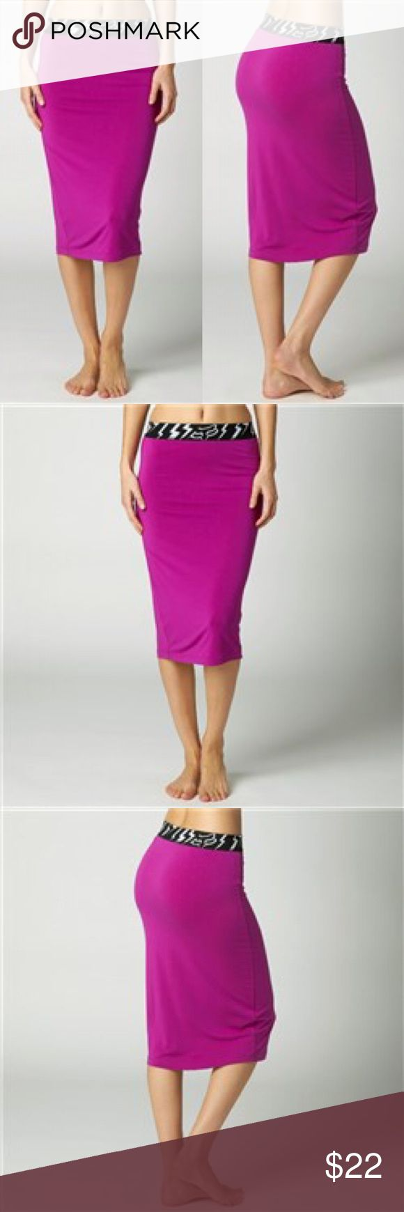 "🆕Fox Racing Velocity Women's Skirt 95% Rayon 5% Spandex Jersey, 220 grams Fitted pencil skirt Fox logo jacquard elastic waistband 25"" Body length Green Fox Skirts Pencil"