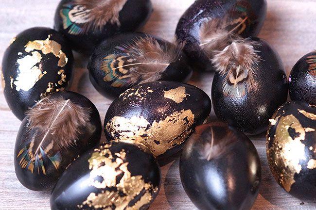 Ei, Ei, Ostereier… mit Federn und Blattgold