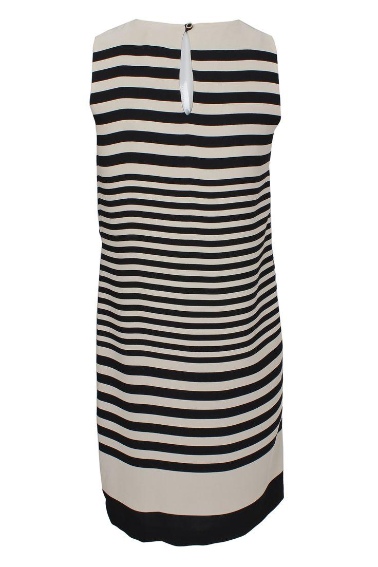 #pianurastudio #pianura #greenbird #marinamall #abudhabi #abudhabifashion #abudhabistyle #dubai #dubaifashion #dubaistyle #fashionista #womenswear #eveningwear #casualwear #fall2013 #winter2014 #dress #tubedresst #striped #blackandwhite #greyscale