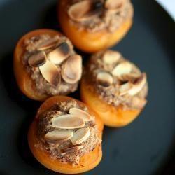 Albicocche al forno con mandorle e amaretti a #ricette #cucina #albicocche #fruttaestiva