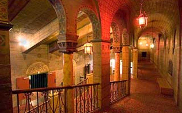 Best Vintage Movie Theaters: Bagdad Theater