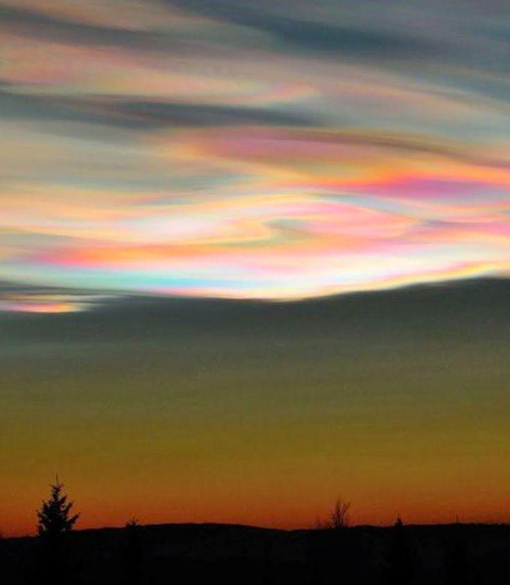 真珠母雲(極成層圏雲)