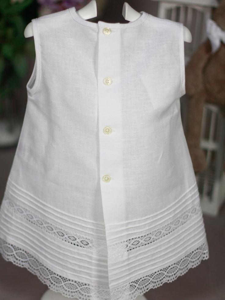 Vestido lino blanco con encajes Paz Rodriguez de Bebe   Les Bébés