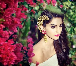 Sonam Kapoor is the Face of India International Jewellery Week 2015
