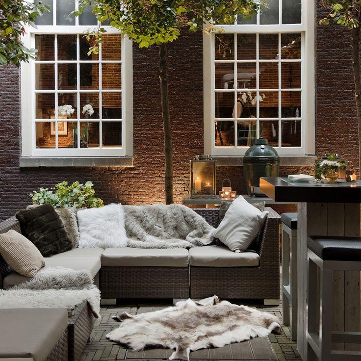 nice outdoor lounge