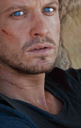 love me some David Lyons. wish revolution was still filmed here