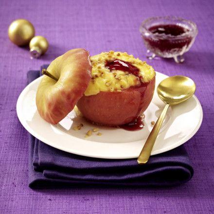 Bratapfel mit Vanillepudding und Johannisbeergelee Rezept | LECKER