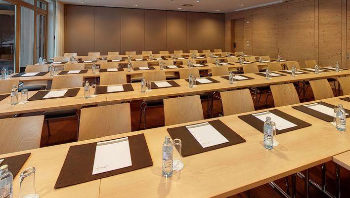 Ein weiterer Seminarraum für Tagungen auf 850 Meter Seehöhe.