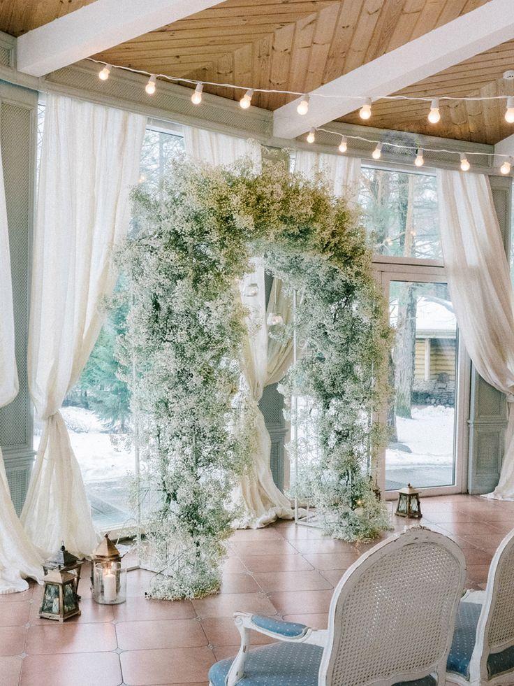 Baby's Breath - Winter wedding ceremony decoration   Light Blue Winter Wedding Read more Real Winter Weddings   fabmood.com #winterwedding