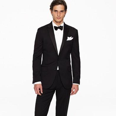 Groom: JCrew Ludlow tuxedo jacket with double vent in Italian wool