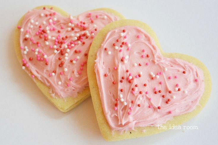 Sourcream Sugar Cookie Recipe via Amy Huntley (The Idea Room): Valentines Day Cookies, Ideas Rooms, Heart Cookies, Cookies Recipes, Sweet Heart, Soft Sugar Cookies, Cookies Pinkfreak, Cookies Creations, Sourcream Sugar Cookies