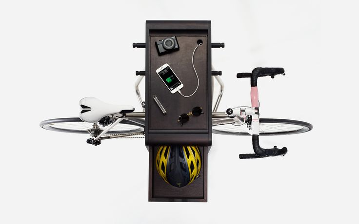 empty your pockets and recharge your devices with the BIKE BUTLER+ vadolibero.com