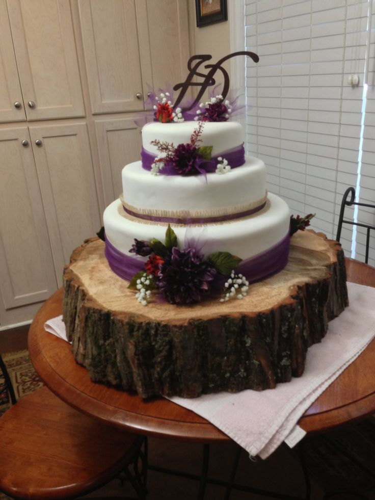 Rustic plum wedding cake | Wedding | Plum wedding, Wedding ...