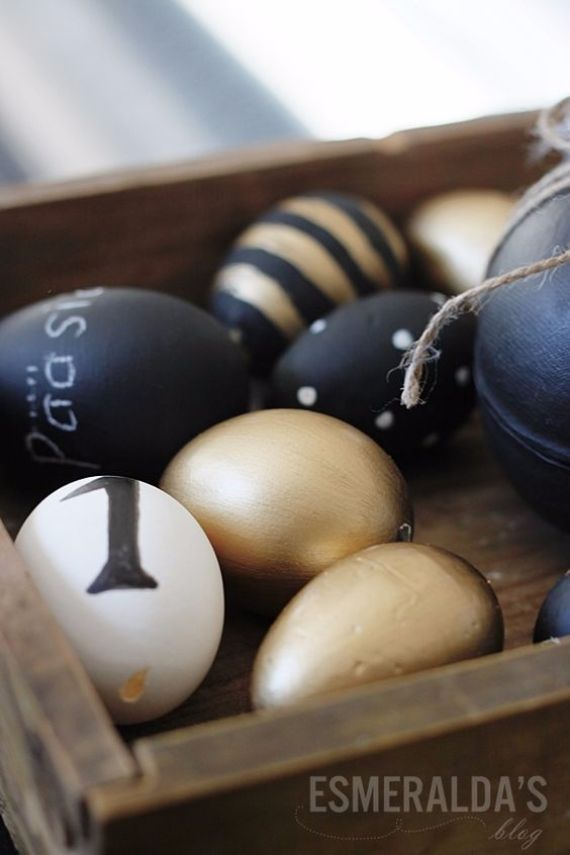 Easter Decorations In Black, White And Gold I Typo Ostern, Osterei