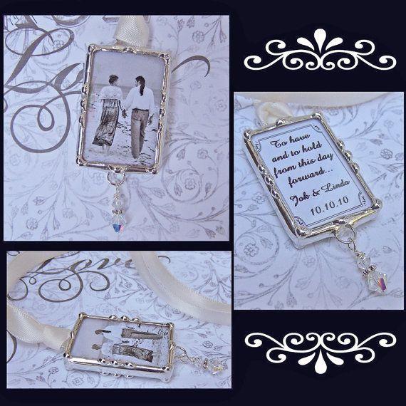 Hoi! Ik heb een geweldige listing op Etsy gevonden: https://www.etsy.com/nl/listing/60465868/bruids-boeket-charme-bruiloft-memorial