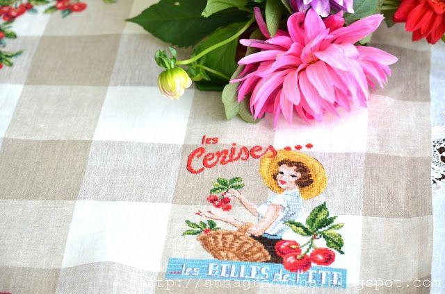"""Рукодельная сказка Анны Гречиха: Кухонное полотенце """""""" Cerises""""."""