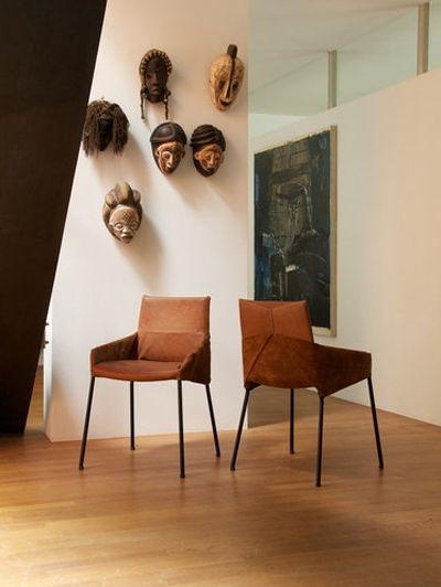 Bruine lederen stoel Inside Out van Label - Zittenblijvers: stoelen voor aan de eetkamertafel | ELLE Decoration