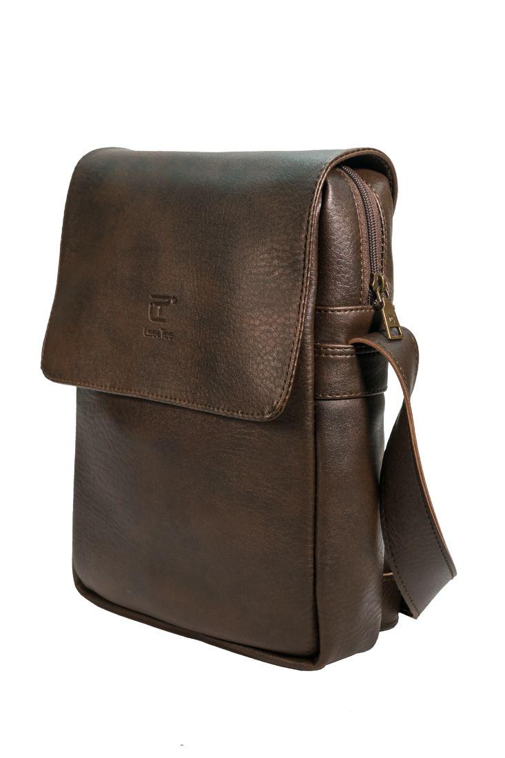 Túi đeo chéo Renew màu nâu - Thương hiệu Lee&Tee