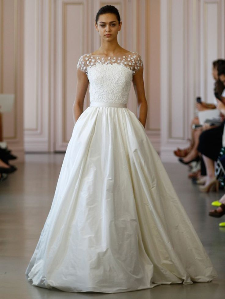Taffeta wedding dress with floral lace bodice by Oscar de la Renta // Best of Bridal Week 2016 - Part 1