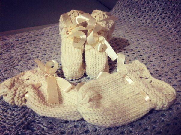 пинетки и варежки для малышей