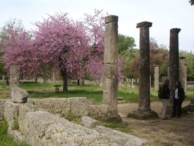 The ruins from the Temple of Zeus in Ancinet Olympia.   #greece #peloponnese #OlympicGames #archaeology