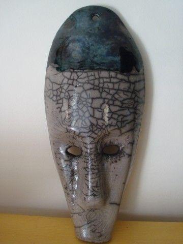 MASQUE CERAMIQUE RAKU ET OXYDE DE CUIVRE METHODE JAPONAISE (Artcraft) par Martine Vinatier   Dimension : 35 cm x 18 cm