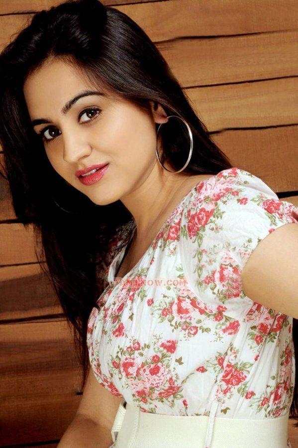 Tamil actress aksha 3865