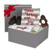 Mamans a Londres feature on Santa Baby boxes.  Christmas present perfection for baby boys and baby girls a like.