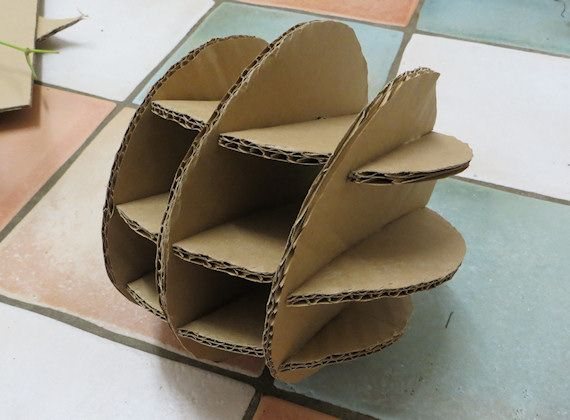 tutorial on making a couple different cardboard balls for your rabbits.