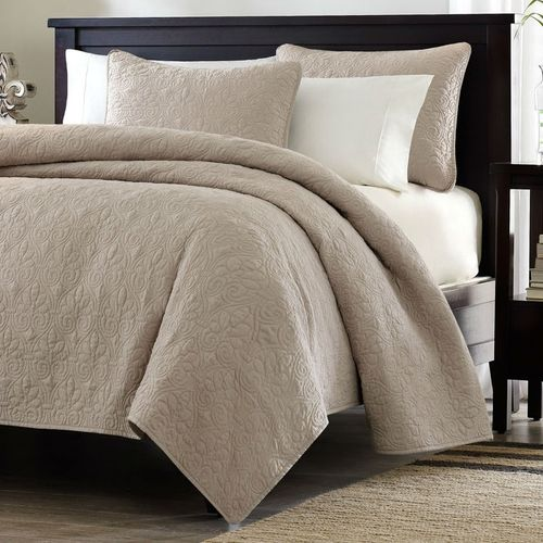 ***FREE SHIPPING*** This Full / Queen size Khaki Light Brown Tan Coverlet Quilt Set with 2 Shams is the perfect coverlet to use as a layering piece or an alternative to your comforter for a new solid