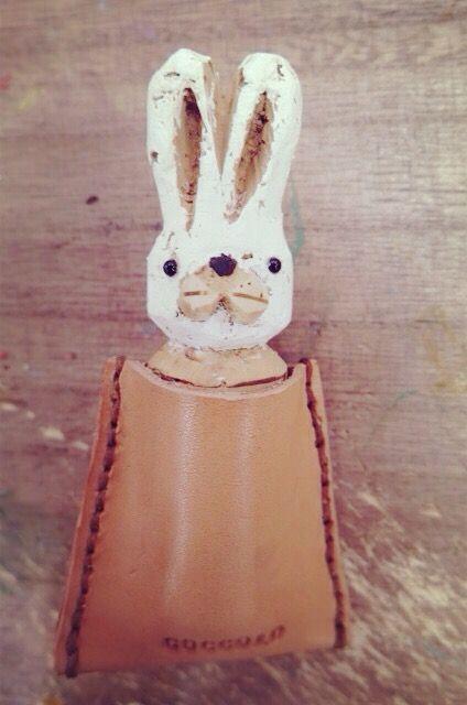 コルクハンコ(動物)人気ランキング | さあ  心の準備は  いいですか?  第1位の発表です!  数ある動物の中から  1位をつかんだのは  「ウサギ」  ですわ〜!!