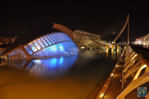 The wonderful City of Arts and Science from Valencia, Spain, is a must visit place and the best known attraction in this Spanish city. Why not visiting it with us?