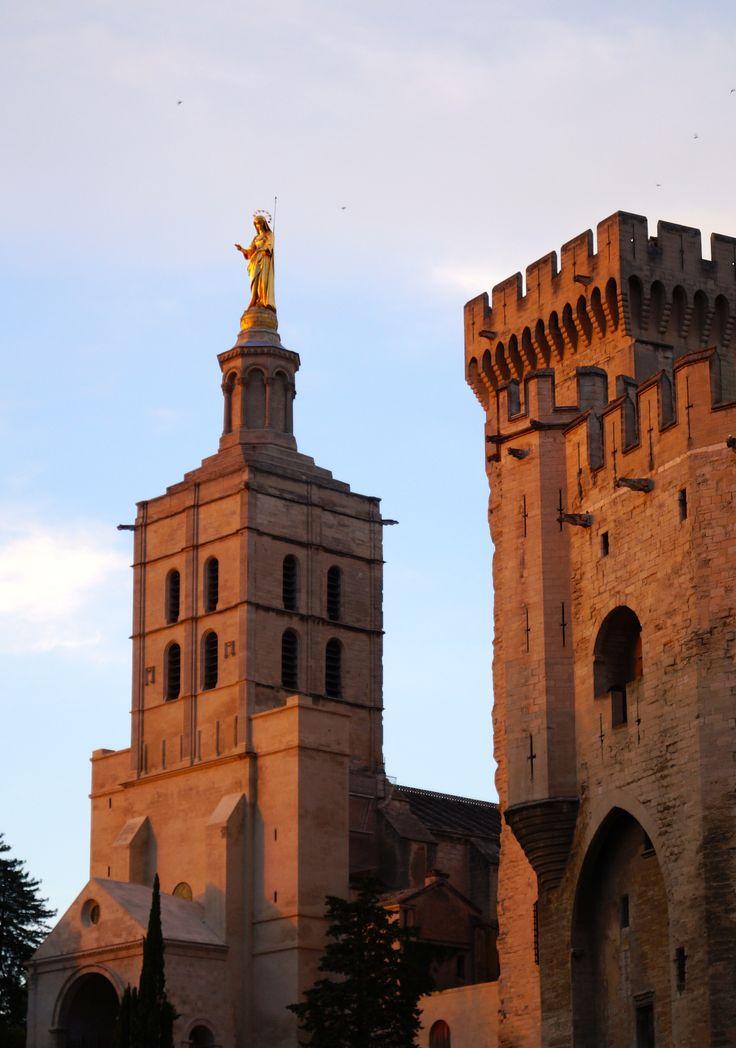 Pope's Palace (Palais des Papes) a landmark in Avignon
