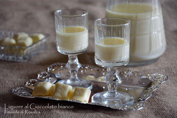 Liquore al Cioccolato bianco, coccola di gusto e cremosità, leggermente alcoolico e profumato, grazie al gusto dolce del Cioccolato bianco e della Vaniglia.