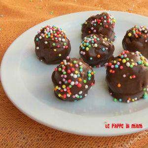 PALLINE AL CIOCCOLATO CON NUTELLA #cioccolatini #cioccolatiniconnutella #cioccolato #dolciconavanzi #muffin #nutella #ricettaconcioccolato #ricettaconNutella #ricettadolcisenzacottura #ricettafacileeveloce #ricettafacilenutella #Ricettariciclo #ricetteavanzimuffin #ricetteconnutella #ricettedolciconmuffin #ricetteperbambini