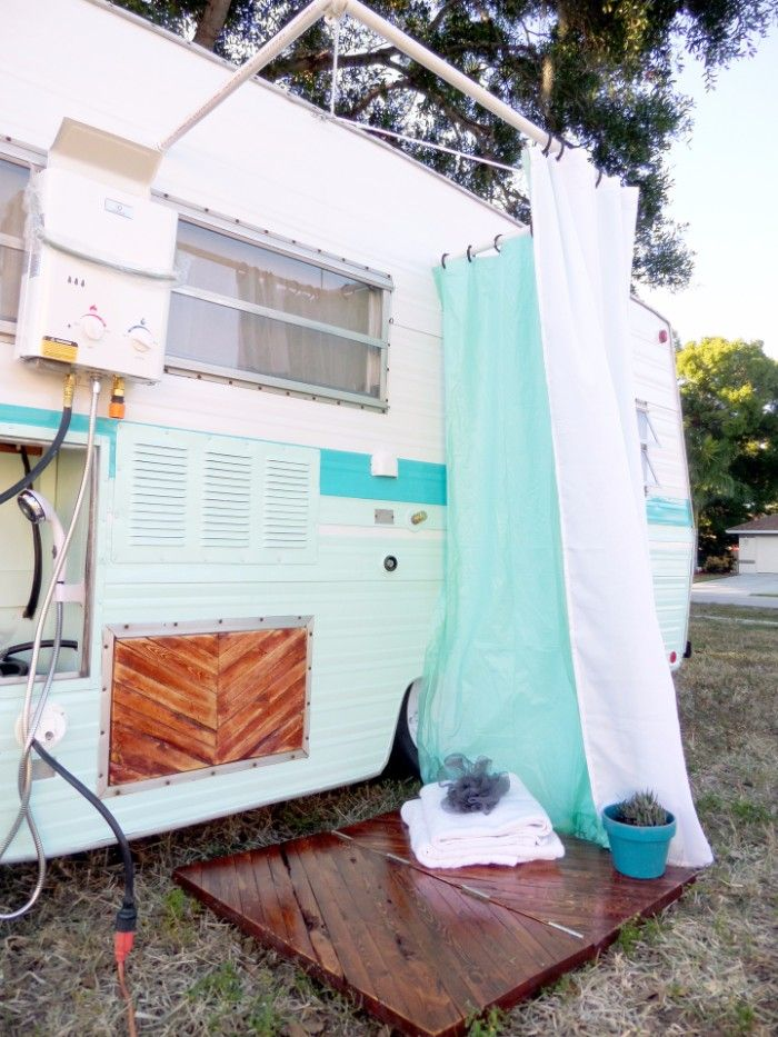 Sasha Glass blows new life into old vintage campers | Pop-up camper