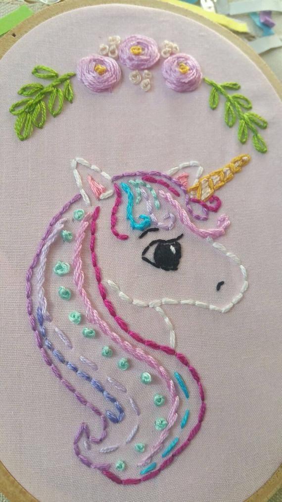 Aro de bordado unicornio colores pastel unicornio dulce for Cuarto de nina rosa palido