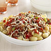 Ground beef and pasta shells in a tempting tomato-based sauce make this classic quick and easy dinner recipe.: Easy Dinners Recipes, Tomatoes Bas Sauces, Quick Meat, Easy Dinner Recipes, Ground Beef, Classic Quick, Meat Sauces, Pasta Shells, Mail Sauces