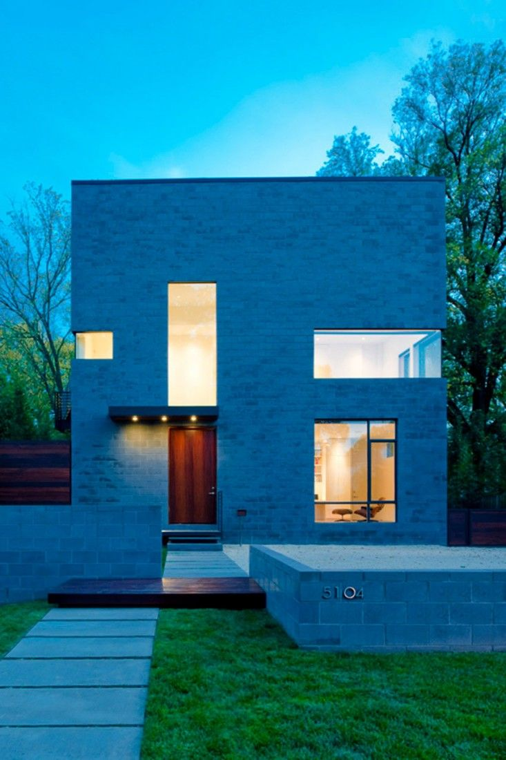 Hampden Lane House by Robert Gurney Architect | HomeDSGN, a daily source for inspiration and fresh ideas on interior design and home decoration.