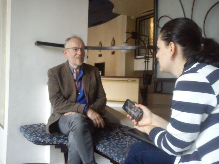 """De vorbă cu James Meek: """"Nu sunt un bun ascultător, însă sunt un observator foarte bun al stărilor umane"""""""