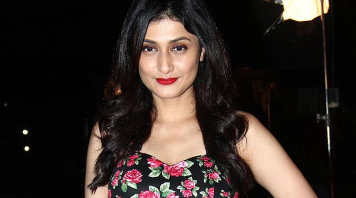 Hot Ragini Khanna Wiki, Age, Height, Boyfriend, Net Worth