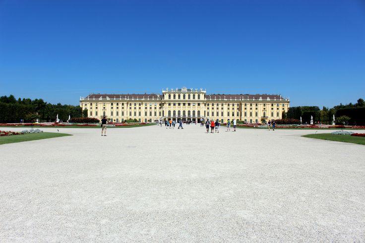 Fotorelacja ze zwiedzania pałacu Schönbrunn w Wiedniu - letniej rezydencji austriackiej rodziny cesarskiej.