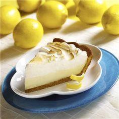 Te presentamos la tarta helada de limón, una ligera y primaveral receta que no necesita horneado. Un postre ideal para estos días que llenará de frescura y dulzura.
