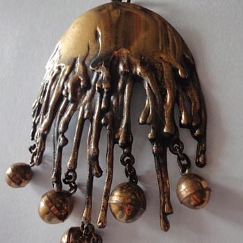 Pennti Sarpaneva Finland, large bronze pendant - Fine Jewelry I have this <3