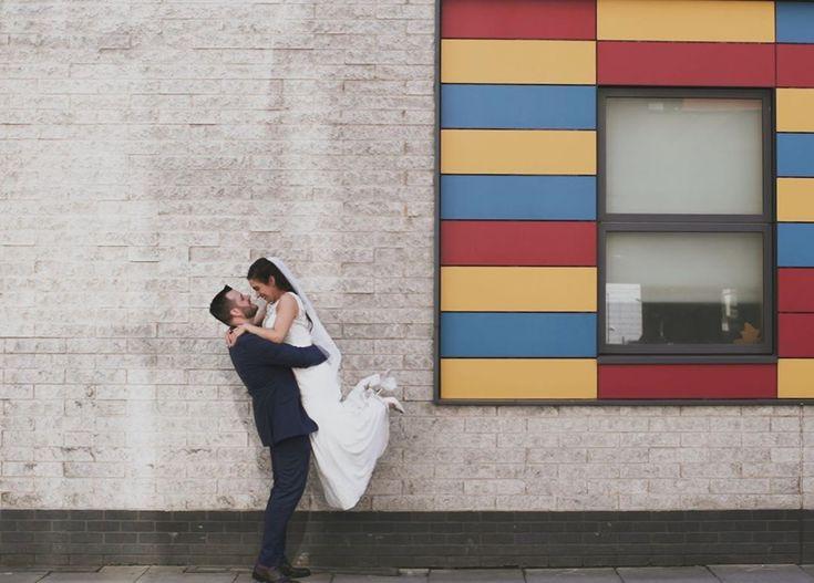 Lego Ziegelmauer Liebe. Fotograf   @ paul.rogers.photography Veranstaltungsort   @thebrew …   – Weddingphotography