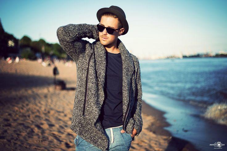 Male Model: Jonas Location Elbstrand / Hamburg / Germany Sundown Beach Shooting / Lifestyle