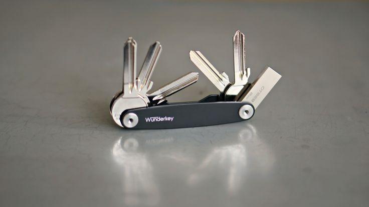 Geschenkidee  Wunderkey - der perfekte Key Organizer mit vielen Accessoires. Sortiere deine Schlüssel wie du es möchtest. Auch perfekt als Geschenk für Männer. #ordnung #sortiert #keyorganizer #usb