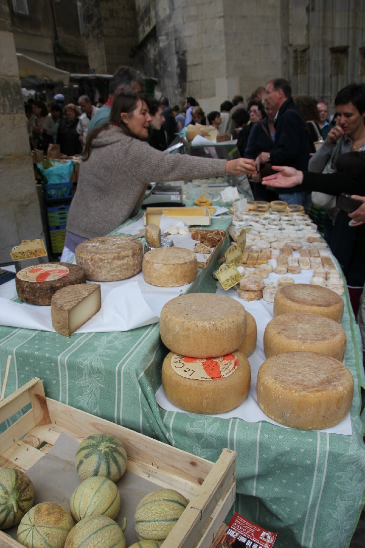 The amazing Thursday market at Villefranche de Rouergue