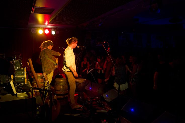 The Pierce Brothers rocking a big crowd at Sol Bar in Maroochydore