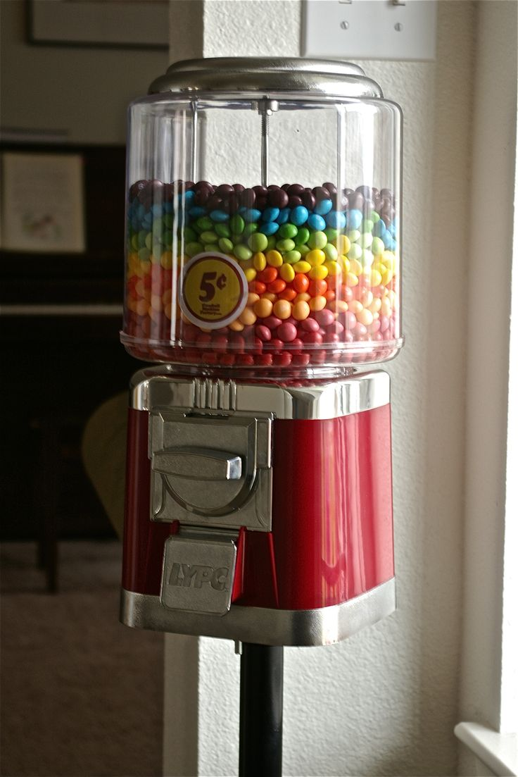 19 best images about vending machines toys on pinterest gumball toys and hug me. Black Bedroom Furniture Sets. Home Design Ideas